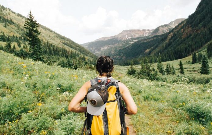 10 good reasons to hike naked (and not only on Naked Hiking Day)